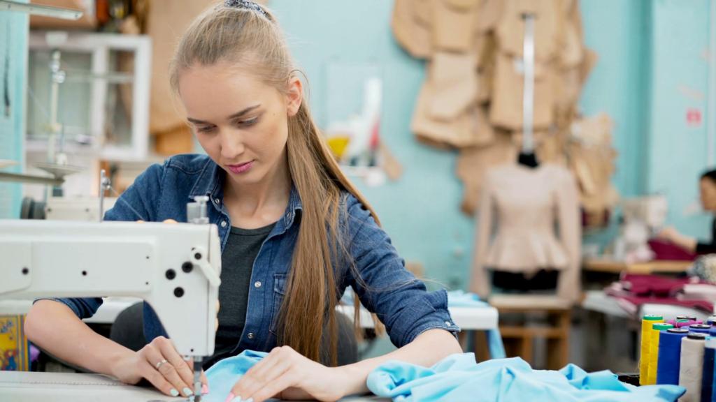Как управлять швейной машинкой