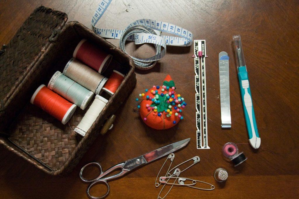 Полезные аксессуары для шитья на машинке
