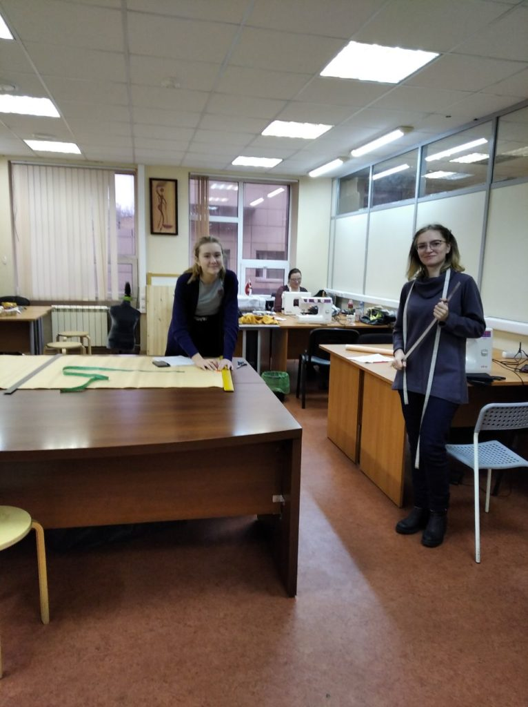 Мини-группы: занятия на курсах кройки и шитья