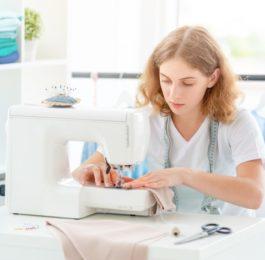 Выгодно ли уметь самой шить одежду